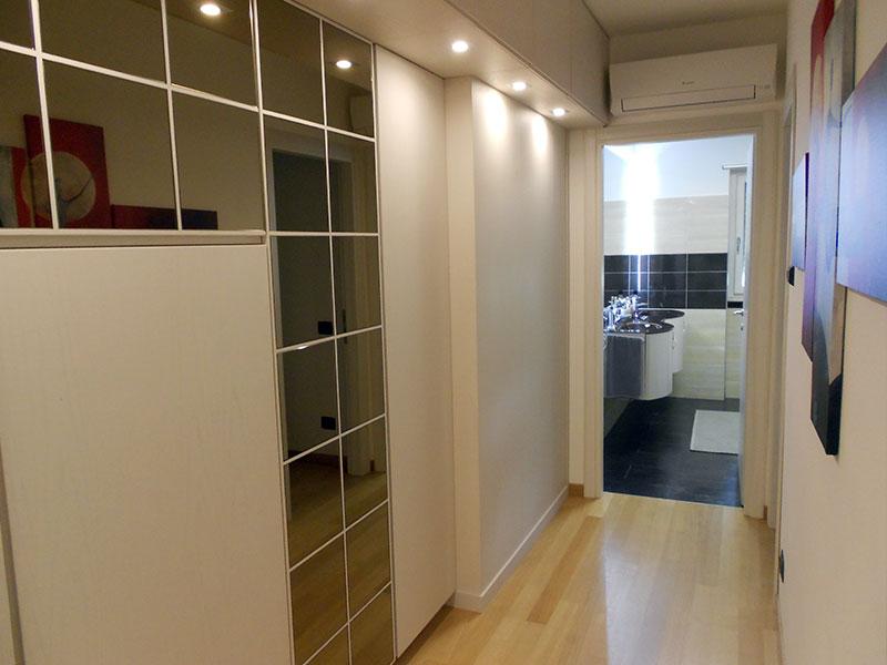 Bagno e corridoio abitazione dopo i lavori Creazioni SV